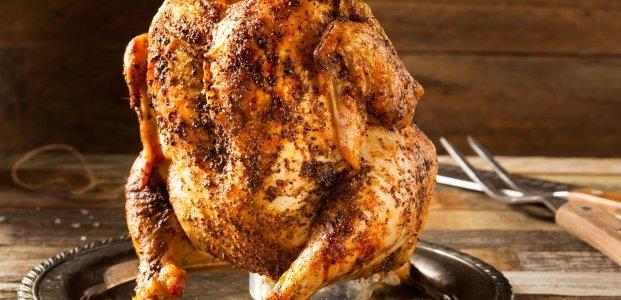 Курица на бутылке — 4 легких рецепта