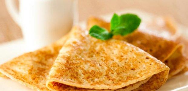 Как сделать блины на свежем и кислом молоке
