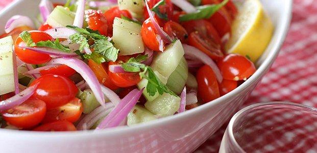 Салат с помидорами черри – 5 летних рецептов