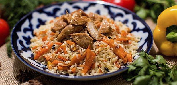 Плов с курицей – 3 сытных рецепта