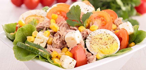 Салат с тунцом – 4 легких рецепта