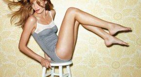 Упражнения со стулом для красивых бедер и ягодиц