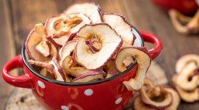 Сушеные яблоки – состав, польза и вред