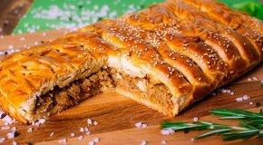 Кулебяка с капустой – 4 рецепта старорусской кухни