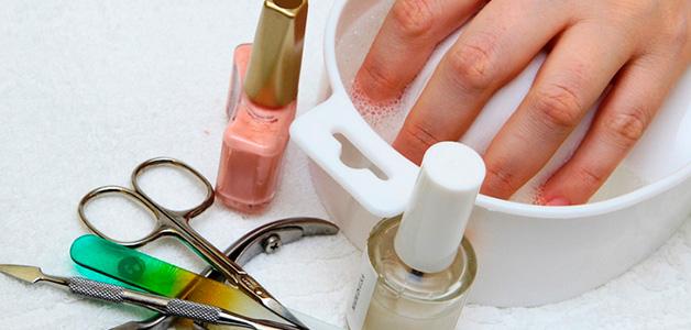 Как красить ногти лаком