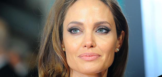 Анджелина Джоли стала скрывать свою худобу