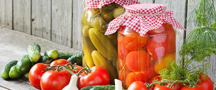 Ассорти из овощей на зиму и помидоров