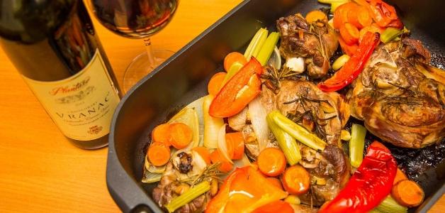 Баранина в духовке с овощами