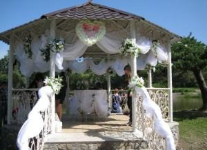 Беседка для свадьбы украшение