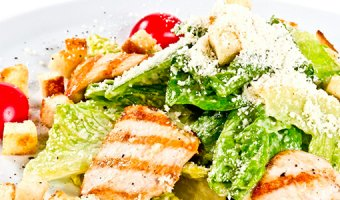 Цезарь с курицей – 4 рецепта вкусного салата с фото