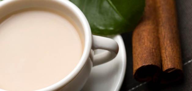 Польза чая с молоком для женщин