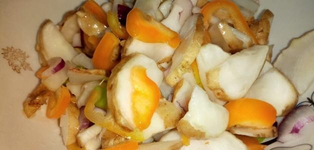 Вкусный салат из топинамбура
