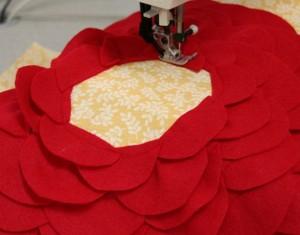 подушка с розой 6