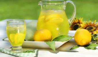 2 рецепта домашних прохладительных напитков