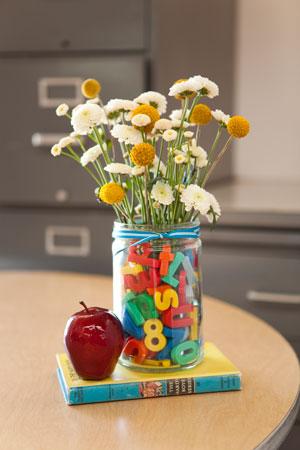 Букет из дачных цветов к 1 сентября: какие цветы