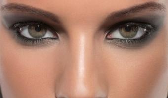 Дымчатый макияж. Как сделать акцент на глаза