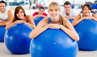 Фитбол – польза, вред и варианты упражнений