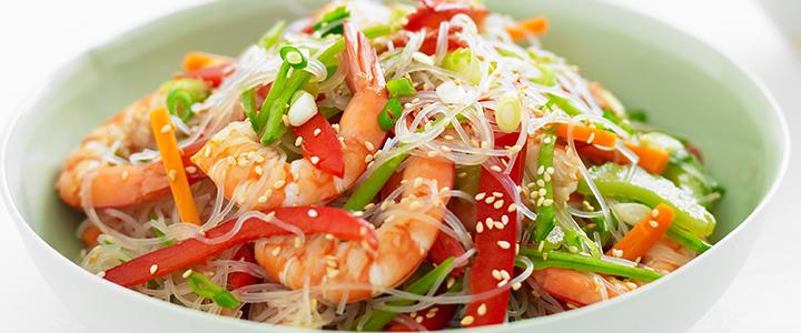 Фунчоза с овощами и кальмарами