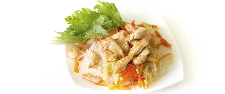 Фунчоза с овощами и курицей