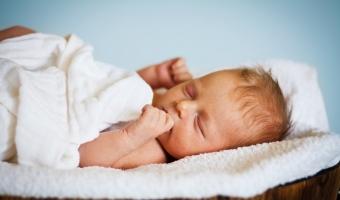 Желтушка у новорожденных – причины и способы лечения