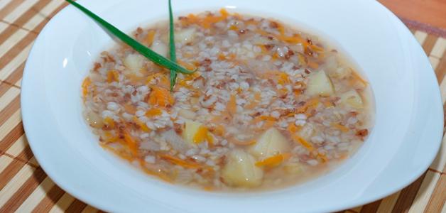 Гречневый суп на бульоне