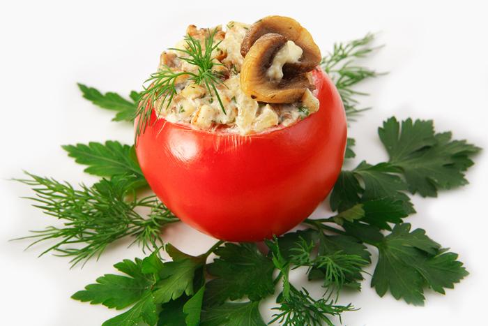 Грибы в помидорами