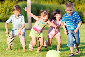 Игры с мячом на улице