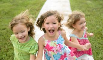 Игры для детей на улице – чем занять ребенка в теплую погоду