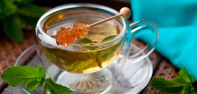 Имбирный чай с мятой и тархуном
