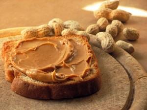 Паста из арахиса чем полезна?