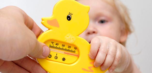 Как купать новорожденного температура