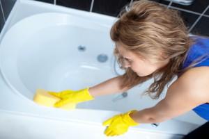 Как почистить ванну