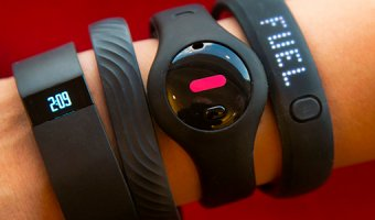 Как выбрать фитнес-браслет – полезные и бесполезные функции