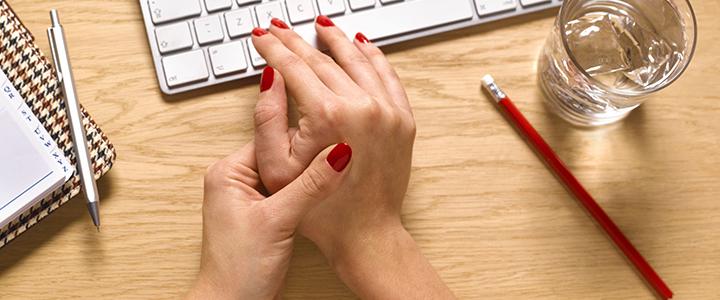 Как вытащить занозу из пальца