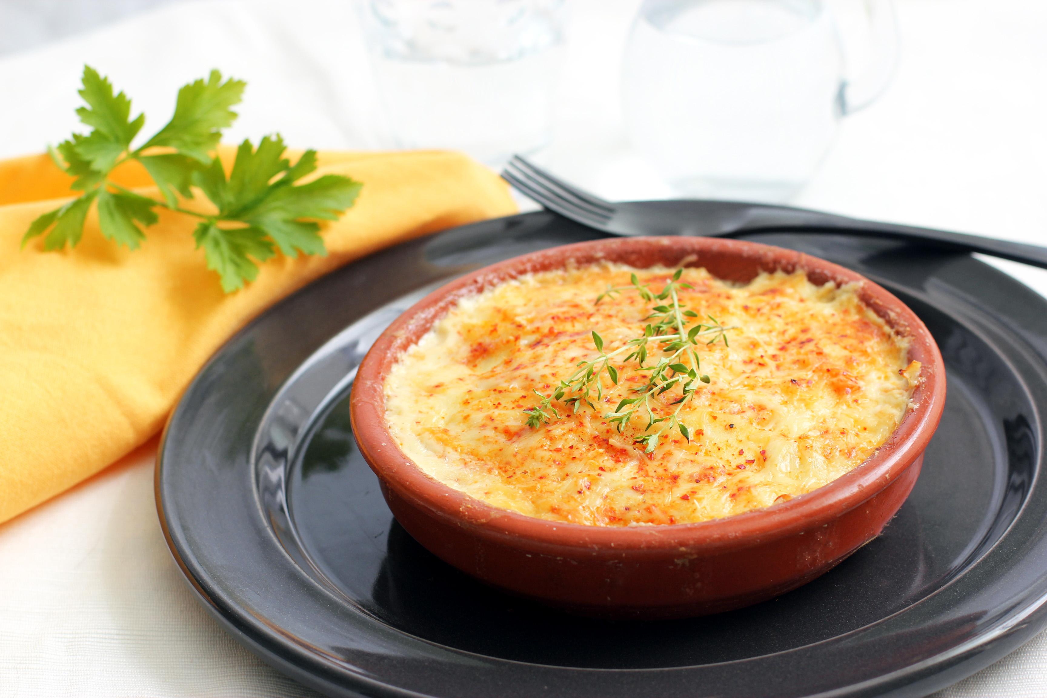Картофельная запеканка с фаршем и сметаной в духовке рецепт с фото