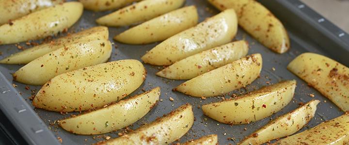 Картошка по-деревенски в духовке