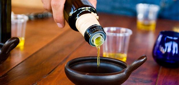 Касторовое масло для увлажнения волос