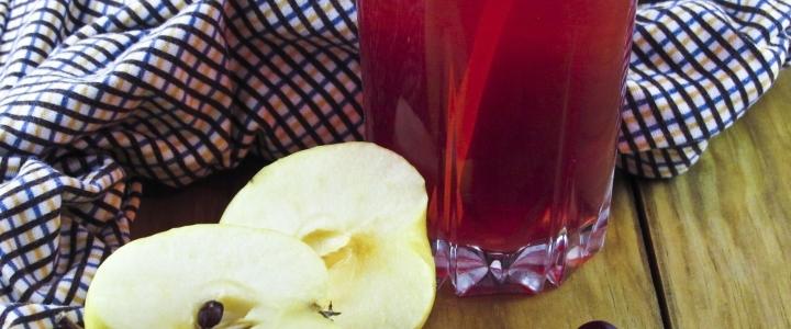 компот из яблок и смородины
