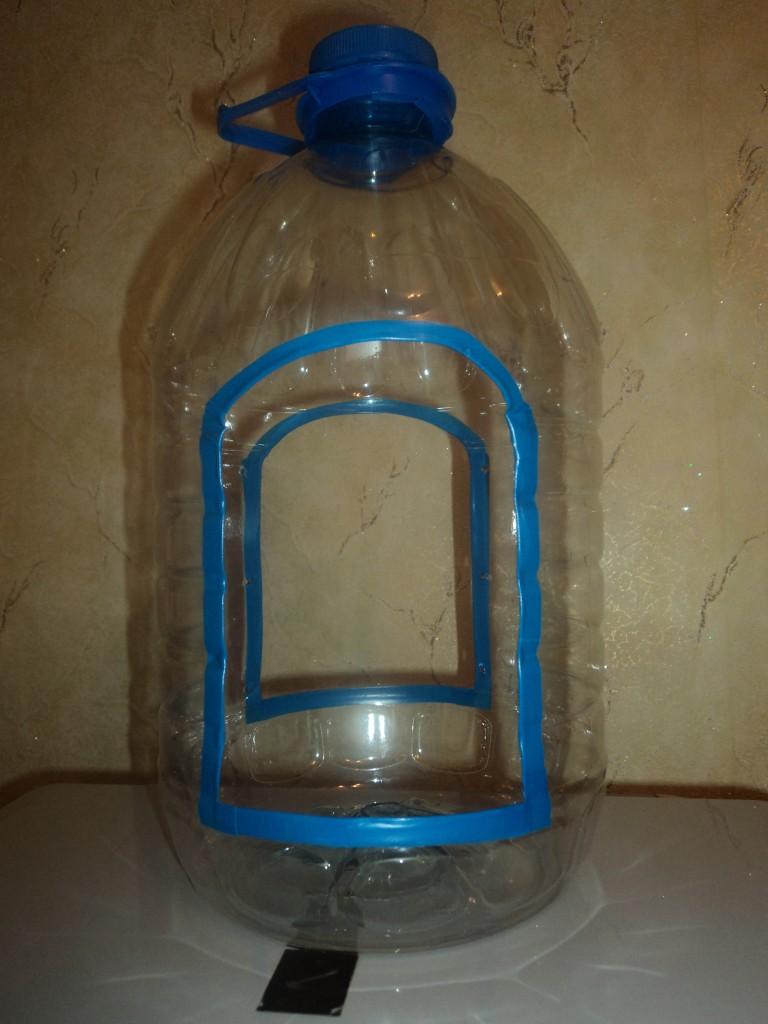 Кормушка из пластиковых бутылок своими руками фото
