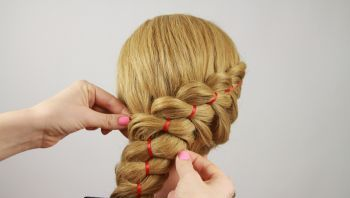 Как сделать прическу в домашних условия чтобы волосы были на один бок