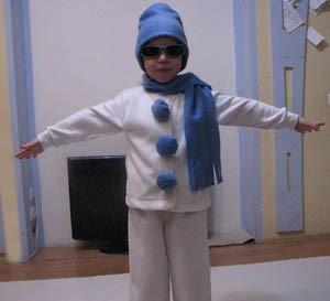 Новогодний костюм снеговика для мальчиков своими руками