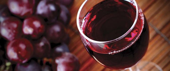 Красное вино понижает давление