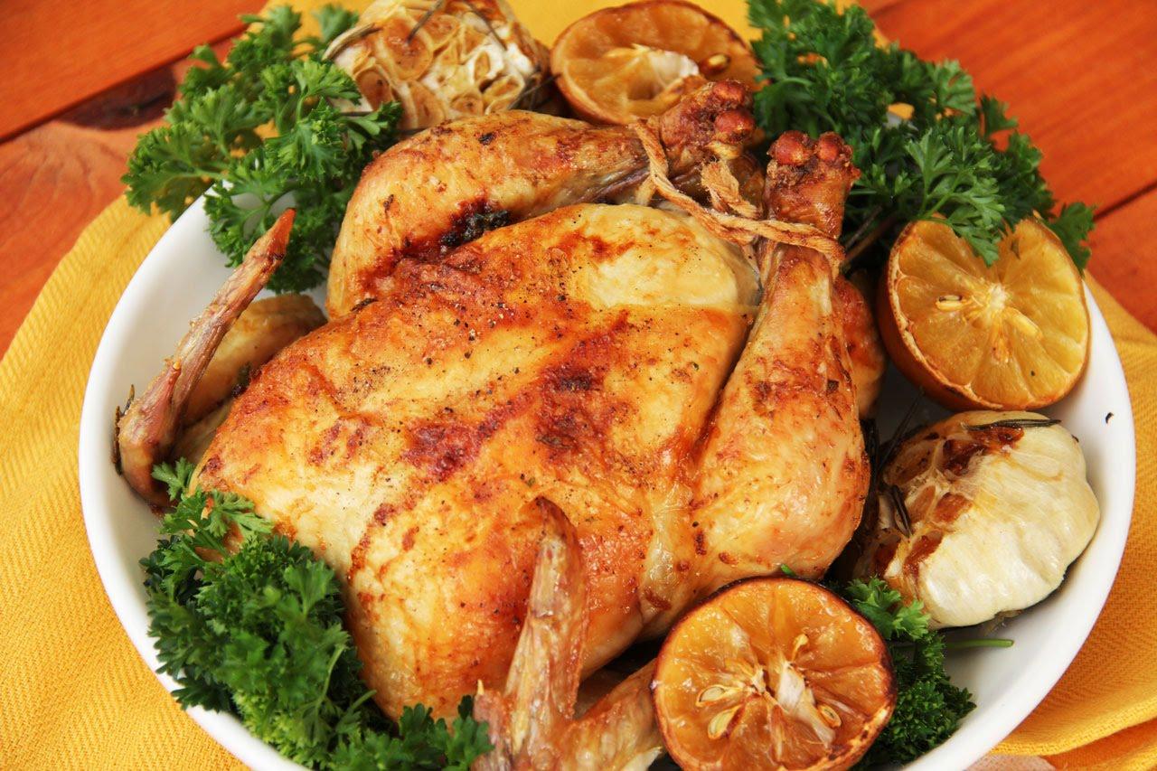 Курица с чесноком и солью