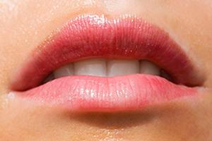 Народные рецепты от простуды на губах