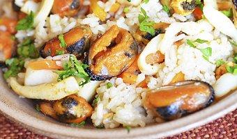 Паэлья с морепродуктами – 4 домашних рецепта