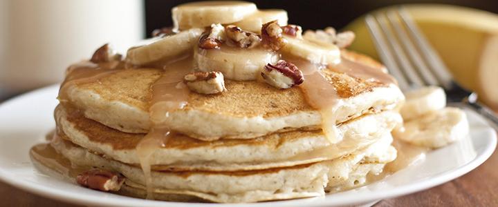 Панкейки на молоке – 4 рецепта к завтраку