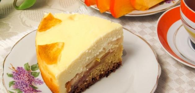 Пирог с хурмой и творогом