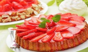 Пирог с клубникой – пошаговые рецепты выпечки