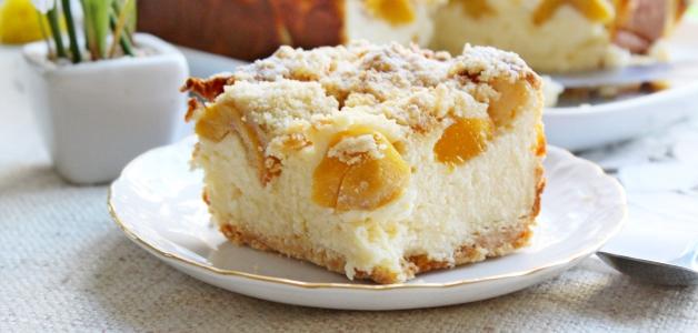 пирог с персиками и творогом
