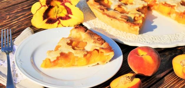 пирог с персиками и грушей